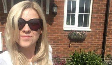 لندن کی بلاگر لڑکی اپنے گھر کے ساتھ جو اس نے شراب پینا چھوڑ کر بنایا
