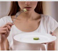 بھوک کی کمی کی مریض خاتون