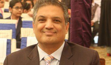 سہیل وڑائچ، اردو کالم نگار، تجزیہ نگار